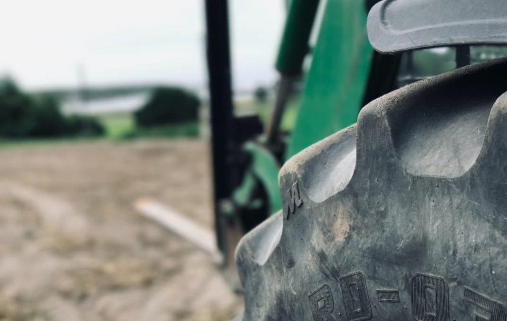 Nærbilde av traktor